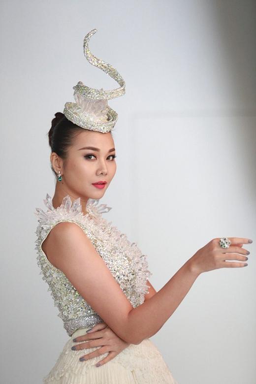 Thanh Hằng: 'Kỳ Kỳ là tổng hợp thị phi của showbiz Việt'