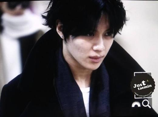Taemin cũng bị bắt gặp những lúc xuống sắc với da mặt sần sùi như thế này.