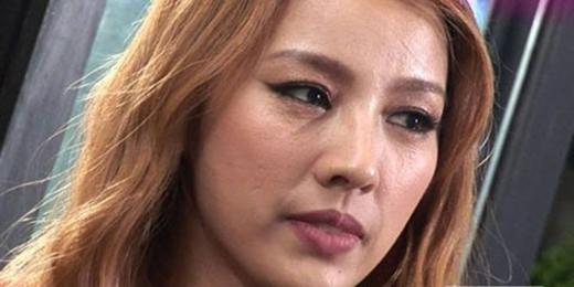 Tuy sở hữu một khí chất và thân hình cực kỳ gợi cảm, nhưng da mặt của nữ hoàng gợi cảm Lee Hyori lại có làn da không như mong muốn.
