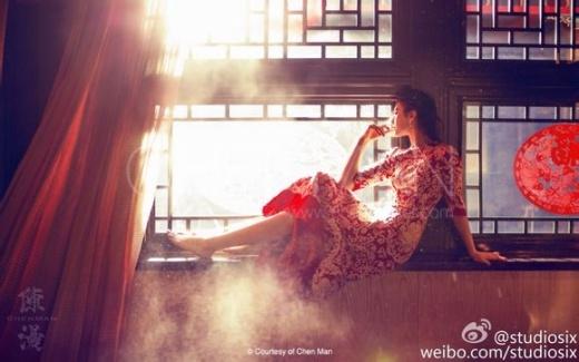 [Tết 2015] Phạm Băng Băng cố tình diện váy ngủ mỏng tang khi rửa bát