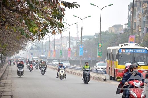 Đường Giải Phòng tuy có nhiều phương tiện tham gia giao thông nhưng vẫn rất thoáng.