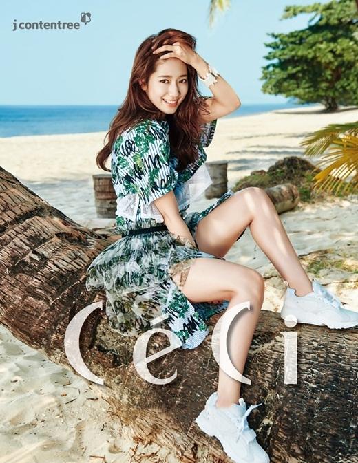 Sao Hàn xinh lung linh trên tạp chí tháng 3