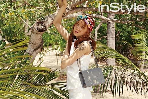 Gong Hyo Jin cực quyến rũ dưới tán cây dừa tại Nha Trang