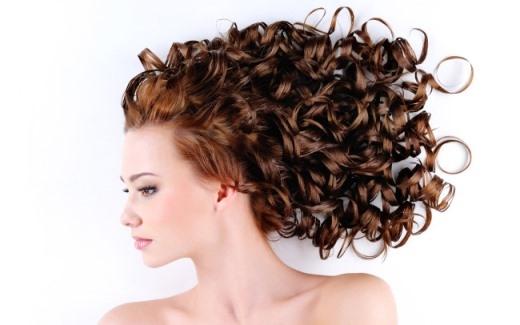 Bật mí bí quyết giữ tóc uốn được lâu hơn