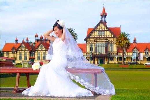 9X rủ nhau du lịch bụi, tự chụp ảnh cưới ở New Zealand