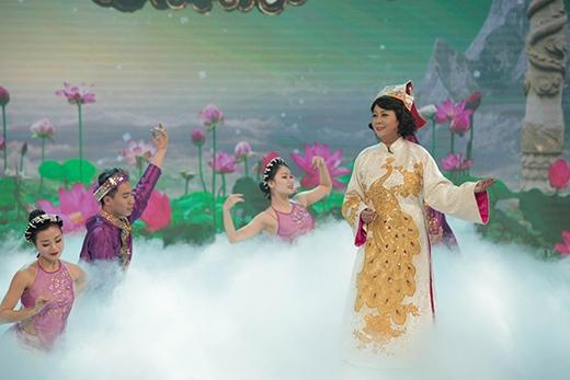 Vân Dung - Minh Hằng khoe giọng hát.