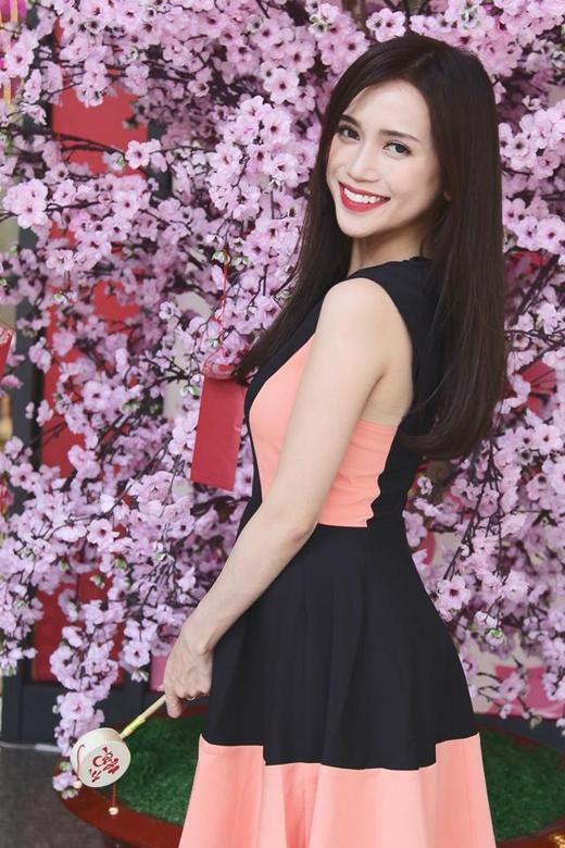 [Tết 2015] Sơn Tùng - Hoàng Thùy Linh chào năm mới như thế nào?