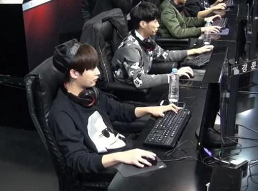 Bên cạnh Kyuhyun, Jaehyo (Block B) cũng là một cao thủ game. Thậm chí anh từng xuất hiện trên giải thi đấu của những người nổi tiếng trên truyền hình.