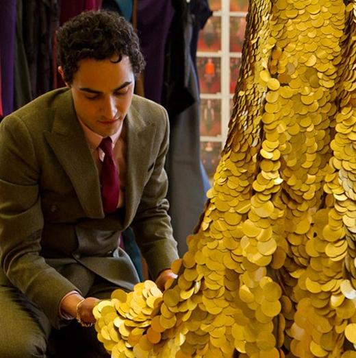 Chiếc váy đắt giá làm từ vàng 24 karat của Zac Posen