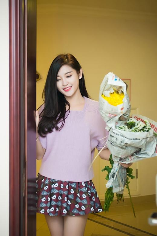 Huyền My rất thích mua hoa về trang trí nhà cửa. - Tin sao Viet - Tin tuc sao Viet - Scandal sao Viet - Tin tuc cua Sao - Tin cua Sao