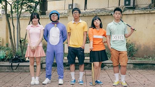 Khôi cùng các diễn viên trong clip Doremon Việt Nam.