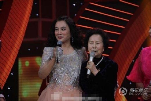 Lý Linh Ngọc bên đạo diễn Dương Khiết