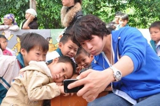 Sao Hàn đình đám âm thầm sang Việt Nam làm từ thiện
