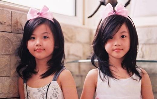Li Yifei, Li Angrong còn được biết đến với cái tên Guoguo và Duoduo là người Trung Quốc. Hai cô bé sinh năm 2003, từng xuất hiện nhiều lần trên truyền hình Trung Quốc.