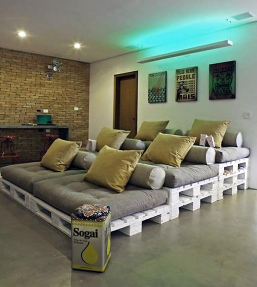 Tự làm giường ngủ, khu vực coi phim trong nhà...từ những tấm gỗ Pallet là một trong những ý tưởng tái chế thông dụng nhất.