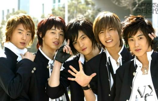 Hồi tưởng lại sân khấu đầu tiên của các nhóm nhạc đình đám Kpop