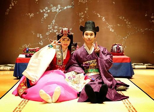 Sungmin và Kim Sa Eun mặc hanbok chúc mừng năm mới người hâm mộ