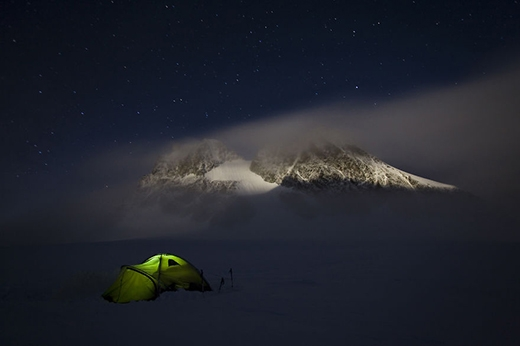 Bộ ảnh du lịch tuyệt vời của nhiếp ảnh gia suốt 6 năm ngủ trong lều