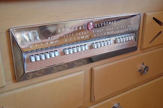 Đây là những nút điều khiển của một cái bếp điện ngày xưa.