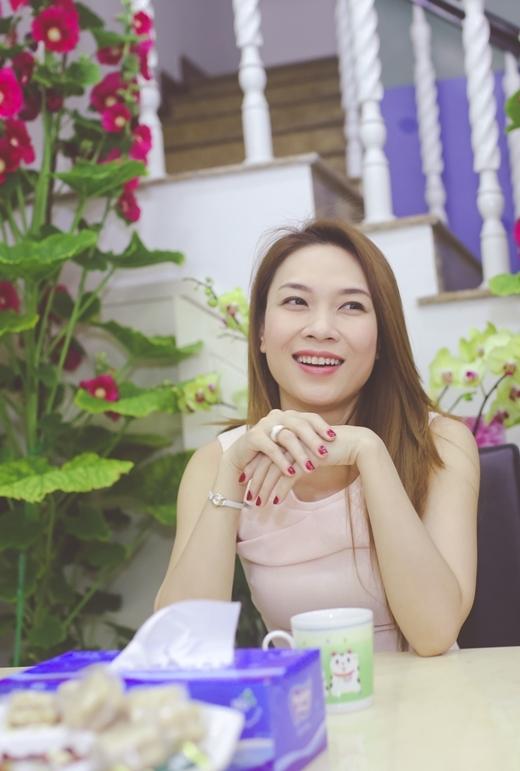 Mỗi dịp Tết, các fan ở Đà Nẵng lại được Mỹ Tâm mời đến nhà nói chuyện, ăn uống và nhận lộc đầu năm. - Tin sao Viet - Tin tuc sao Viet - Scandal sao Viet - Tin tuc cua Sao - Tin cua Sao