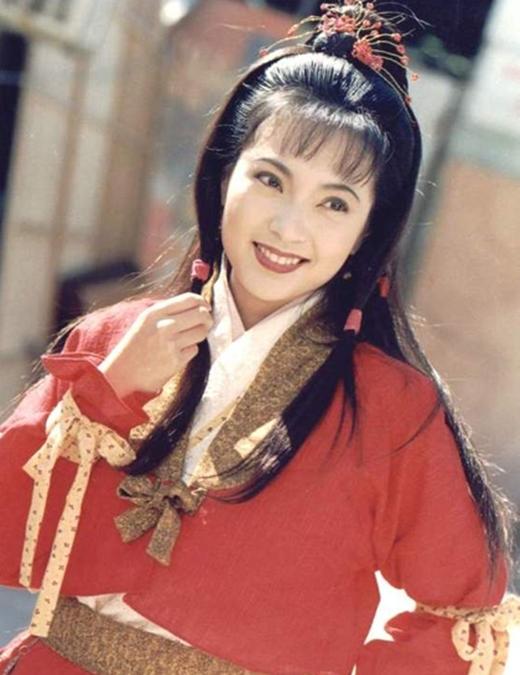 Phó Minh Hiến vai Quách Phù. Phó Minh Hiến nổi tiếng với vai Quách Phù. Sau vai này, cô tiếp tục lưu dấu ấn qua các phim Sư tử Hà Đông, Túy đả kim chi, Hoa Mộc Lan