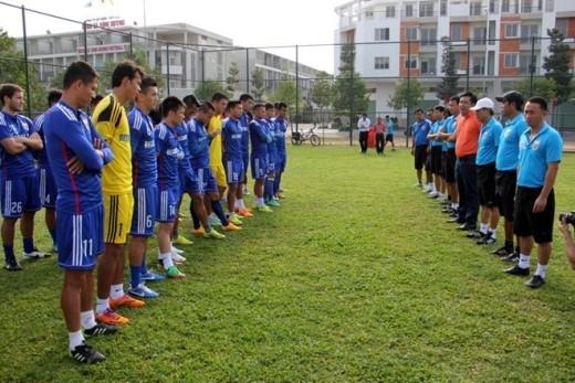 Sau chuỗi ngày nghỉ Tết Nguyên đán bên gia đình, các cầu thủ của CLB Bình Dương đã hội quân đúng hẹn vào mùng 3 Tết (21/2) và có buổi tập để chuẩn bị cho vòng bảng AFC Champions League vào sáng nay (22/2).