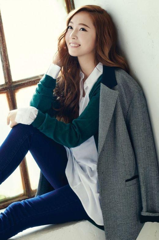 ... và nhà thiết kế, ca sĩ Jessica Jung