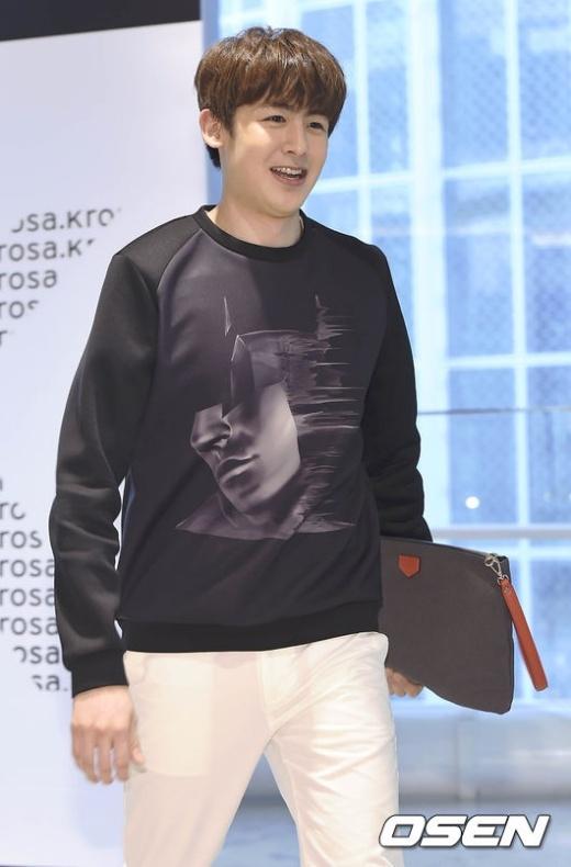 Hoàng tử Thái Nichkhun vỡ mộng fan nữ vì béo múp mặt
