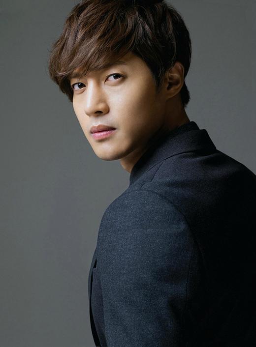 Kim Hyun Joong không hề hay biết bạn gái mang thai