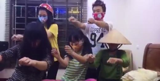Giới trẻ Việt thường chỉ yêu thích cover lại các động tác nhảy từ nước ngoài, đặc biệt là Hàn Quốc. Vậy nên có thể nói hiếm có điệu nhảy nào lại tạo nên được làn sóng mạnh mẽ như vũ điệu cồng chiêng.