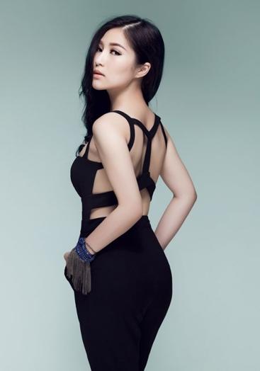 Hương Tràm cho biết phong cách sexy hiện tại của cô nhằm hướng tới một cuộc lột xác về âm nhạc trong thời gian tới. - Tin sao Viet - Tin tuc sao Viet - Scandal sao Viet - Tin tuc cua Sao - Tin cua Sao
