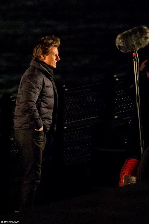"""Tom Cruise """"lăn lộn"""" giữa đêm vì """"Nhiệm vụ bất khả thi 5"""""""