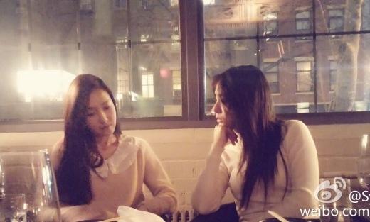 Mặc tin đồn lôi kéo, Jessica vẫn vui vẻ hẹn hò cùng em gái