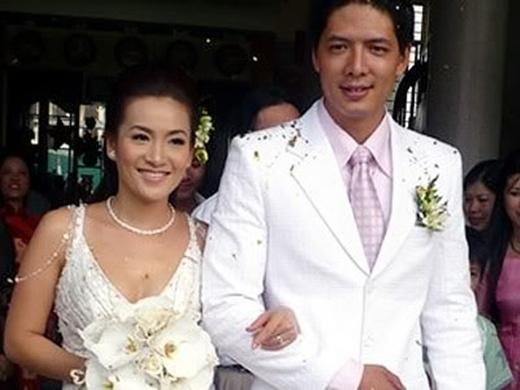 Những cặp vợ chồng sao Việt bền vững như kiềng ba chân trước tâm bão - Tin sao Viet - Tin tuc sao Viet - Scandal sao Viet - Tin tuc cua Sao - Tin cua Sao