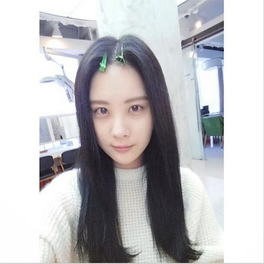 Seohyun đăng tải mặt mộc cực đáng yêu và chúc mọi người một ngày vui vẻ.