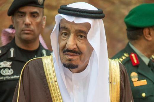 Tân vương Saudi Arabia gây sốt khi phát không 32 tỉ đô la cho người dân