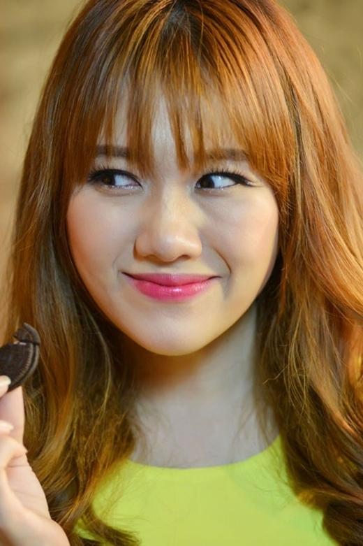 """Cô nàng sở hữu đôi mắt """"đúng chất"""" Hàn Quốc: đuôi mắt dài đặc trưng, bọng mắt dày tạo cảm giác nhí nhảnh, dễ thương. - Tin sao Viet - Tin tuc sao Viet - Scandal sao Viet - Tin tuc cua Sao - Tin cua Sao"""
