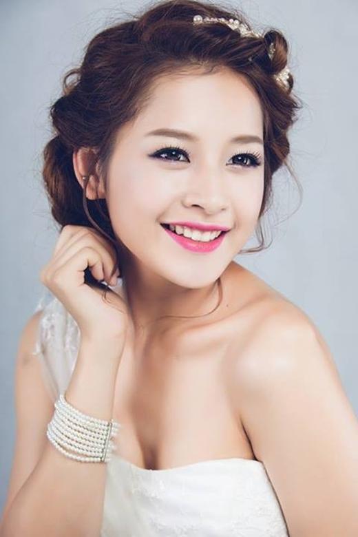 Vốn là một hotgirl có tiếng Hà thành, Chi Pu ngày càng chứng tỏ được bản lĩnh của mình khi lấn sân sang nhiều lĩnh vực khác nhau. - Tin sao Viet - Tin tuc sao Viet - Scandal sao Viet - Tin tuc cua Sao - Tin cua Sao