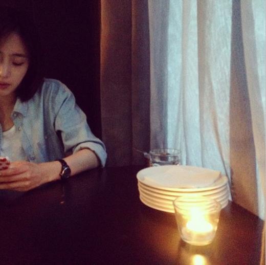 Eunjung hẹn hò với bạn cũ và khoe những hinh ảnh cực tâm trạng