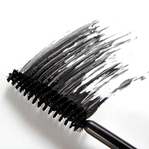 4 lỗi cơ bản bạn thường mắc phải khi sử dụng mascara