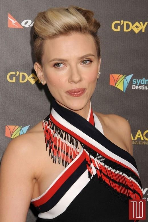 Scarlett Johansson minh oan cho John Travolta