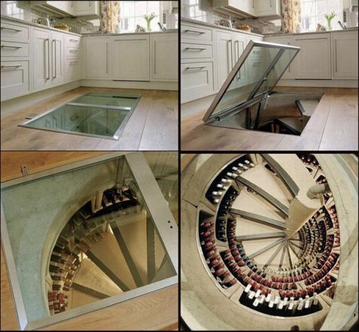 Cửa dẫn đến hầm rượu từ nhà bếp.