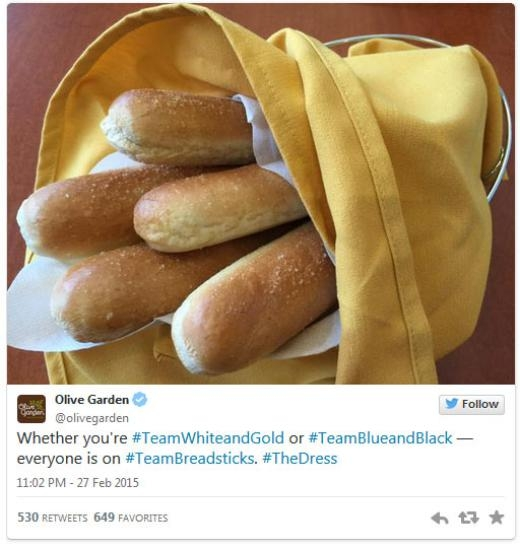 Chuỗi nhà hàng Olive Garden: 'Dù bạn thuộc đội Trắng Vàng hay đội Xanh Đen, tất cả đều thuộc về đội Bánh mì que.'