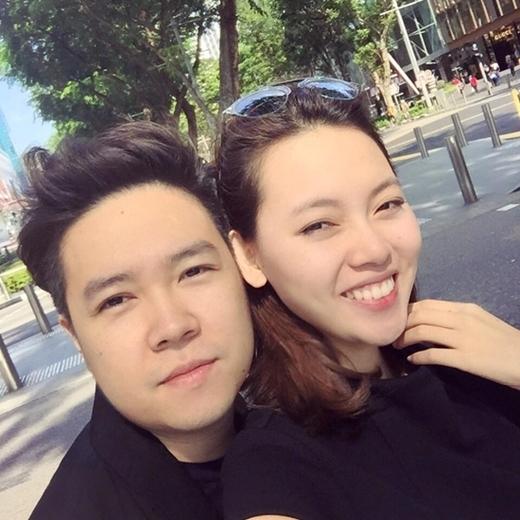 Tháng 7 năm ngoái, Lê Hiếu bất ngờ công khai cô bạn gái xinh đẹp Thùy Linh sinh năm 1995, kém anh 11 tuổi. - Tin sao Viet - Tin tuc sao Viet - Scandal sao Viet - Tin tuc cua Sao - Tin cua Sao