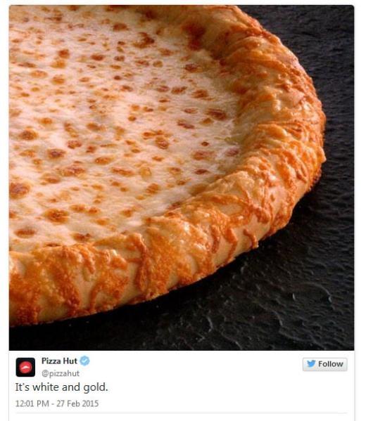 Pizza Hut  Denny's: Không phải chiếc váy thay đổi màu sắc. Đều do bạn cả thôi.
