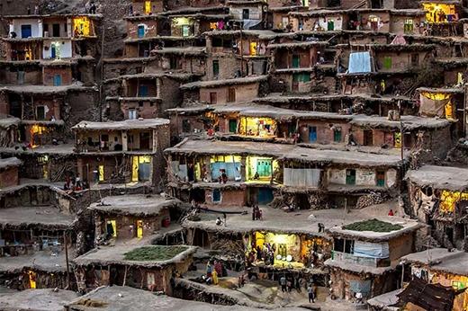 Một ngôi làng trên núi ở Iran.