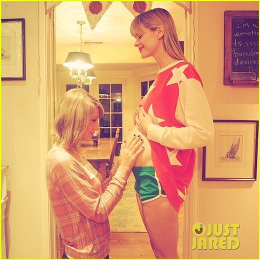 Taylor Swift hạnh phúc khi được lên chức... mẹ