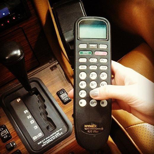 Điện thoại dùng trong ô tô