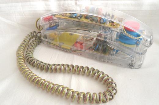 Điện thoại bàn trong suốt
