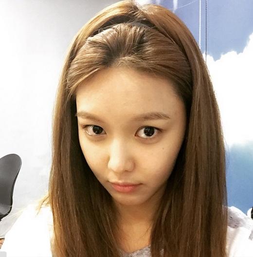 Sooyoung bất ngờ khoe mặt mộc cực xinh khiến fan ngất ngây